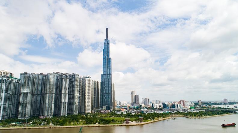 TTTM Vincom Center Landmark 81 gồm 01 tầng hầm và 05 tầng nổi nằm trong tòa tháp cao nhất Việt Nam The Landmark 81.