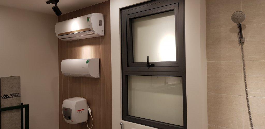 Cửa sổ, điều hòa, bình nóng lạnh trang bị trong căn hộ VinCity (Bàn giao hoàn thiện)
