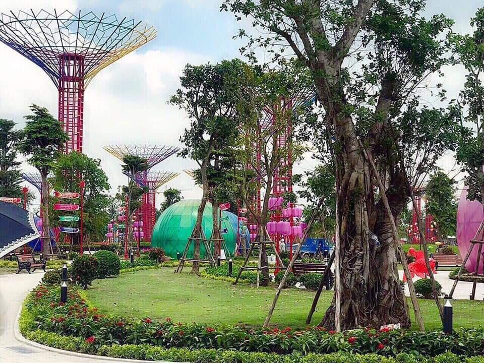 vườn cây ánh sáng Vinhomes Grand Park